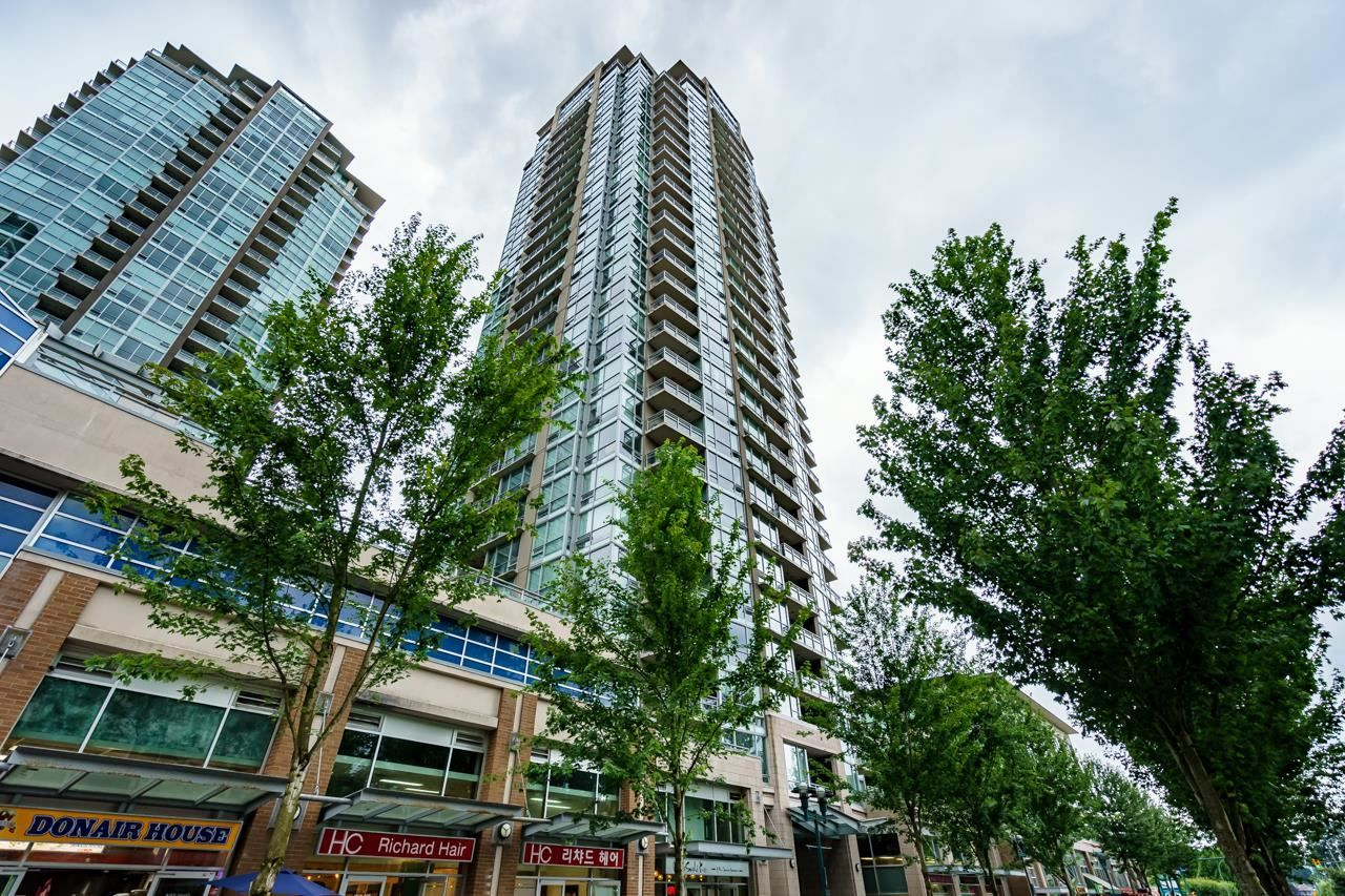 """Main Photo: 2508 2968 GLEN Drive in Coquitlam: North Coquitlam Condo for sale in """"GRAND CENTRAL II"""" : MLS®# R2603634"""