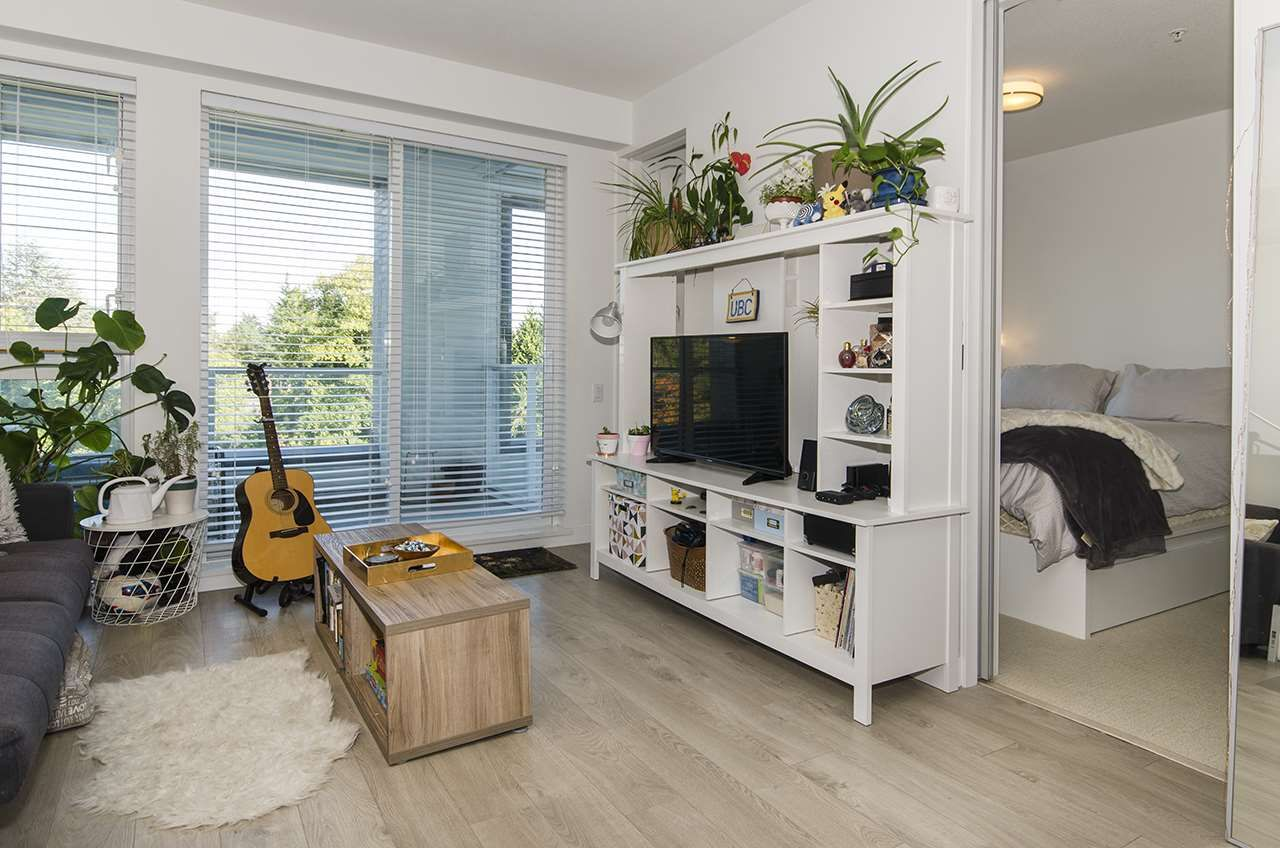 """Main Photo: 312 6677 CAMBIE Street in Vancouver: South Cambie Condo for sale in """"Mosaic Homes Cambria South"""" (Vancouver West)  : MLS®# R2409599"""
