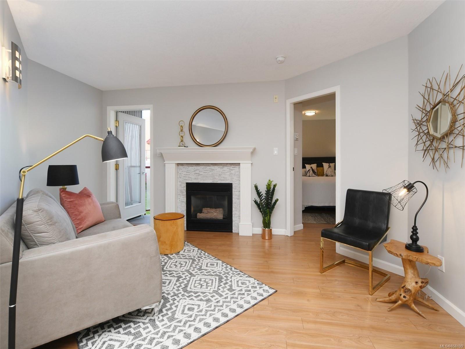Main Photo: 205 930 North Park St in : Vi Central Park Condo for sale (Victoria)  : MLS®# 858199