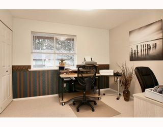 "Photo 9: 2 20985 CAMWOOD Avenue in Maple Ridge: Southwest Maple Ridge Townhouse for sale in ""MAPLE COURT"" : MLS®# V809174"