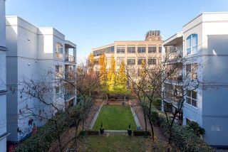 """Photo 15: 305 511 W 7TH Avenue in Vancouver: Fairview VW Condo for sale in """"Beverly Gardens"""" (Vancouver West)  : MLS®# R2221770"""