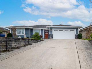 Photo 1: 5800 TURNSTONE Drive in Sechelt: Sechelt District House for sale (Sunshine Coast)  : MLS®# R2541194