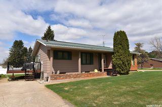 Photo 1: 318 Maple Road East in Nipawin: Residential for sale : MLS®# SK855852