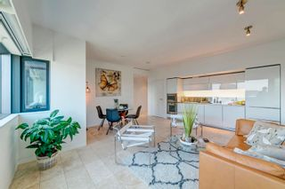 """Photo 4: 2302 838 W HASTINGS Street in Vancouver: Downtown VW Condo for sale in """"Jameson House by Bosa"""" (Vancouver West)  : MLS®# R2614981"""
