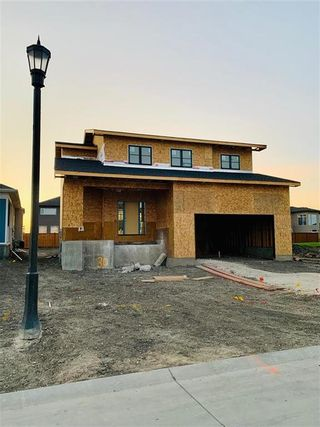 Photo 4: 30 Creemans Crescent in Winnipeg: Charleswood Residential for sale (1H)  : MLS®# 202124485