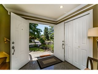 Photo 3: 5328 SHERBROOKE Street in Vancouver: Knight House for sale (Vancouver East)  : MLS®# R2077068