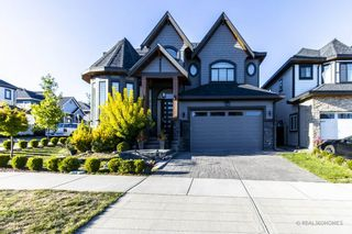 Photo 1: 14929 69A Avenue in Surrey: West Newton House for sale : MLS®# R2497912
