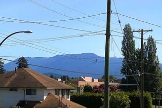 Photo 8: 21764 MOUNTAINVIEW Crescent in Maple Ridge: West Central House for sale : MLS®# R2600630