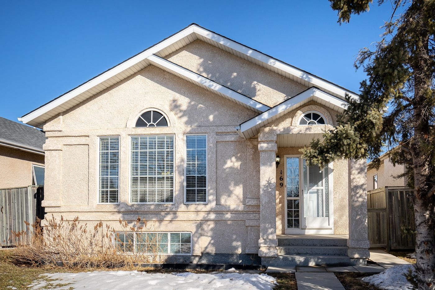 Main Photo: 169 Aldgate Road in Winnipeg: River Park South House for sale (2F)  : MLS®# 202104440