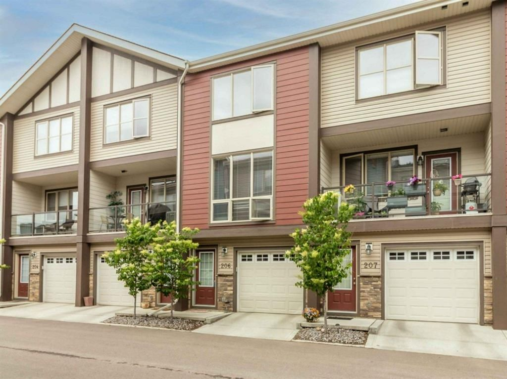 Main Photo: 206 125 Caribou Crescent: Red Deer Row/Townhouse for sale : MLS®# A1124727