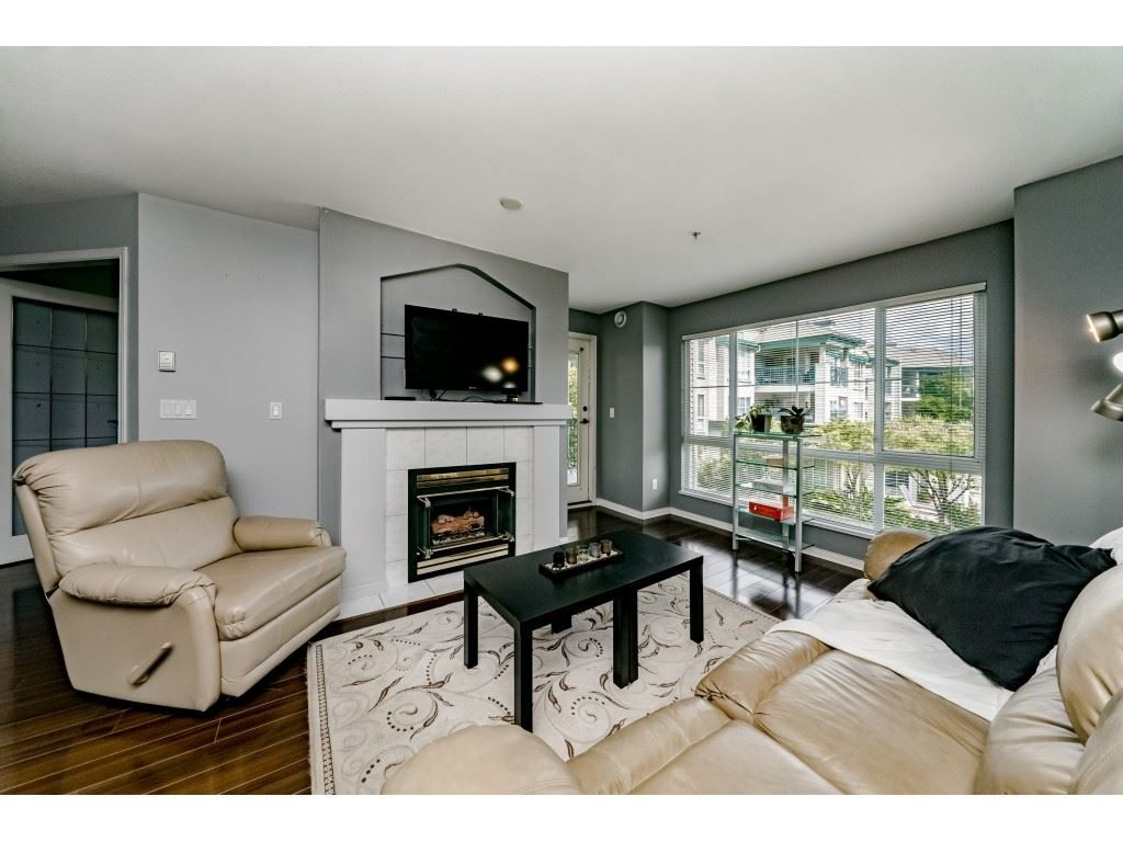 Main Photo: 214 19528 FRASER HIGHWAY in Surrey: Cloverdale BC Condo for sale (Cloverdale)  : MLS®# R2397037