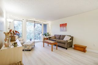 """Photo 3: 303 5664 200 Street in Langley: Langley City Condo for sale in """"Langley Village"""" : MLS®# R2624144"""