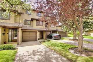 Photo 43: 64 Glamis Gardens SW in Calgary: Glamorgan Row/Townhouse for sale : MLS®# A1112302