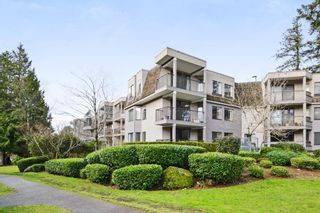"""Photo 21: 208 1740 SOUTHMERE Crescent in Surrey: Sunnyside Park Surrey Condo for sale in """"CAPSTAN WAY"""" (South Surrey White Rock)  : MLS®# R2234787"""