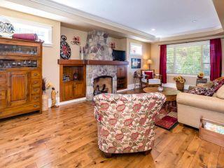Photo 2: 1303 Ocean View Ave in COMOX: CV Comox (Town of) House for sale (Comox Valley)  : MLS®# 766620