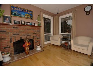 Photo 7: 3307 48 Street NE in Calgary: Whitehorn House for sale : MLS®# C4003900