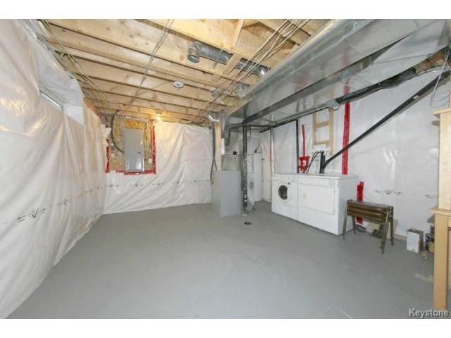 Photo 18: Photos: 1028 Southwood Avenue in Winnipeg: Fort Garry / Whyte Ridge / St Norbert Single Family Detached for sale (South East Winnipeg)  : MLS®# 1501899