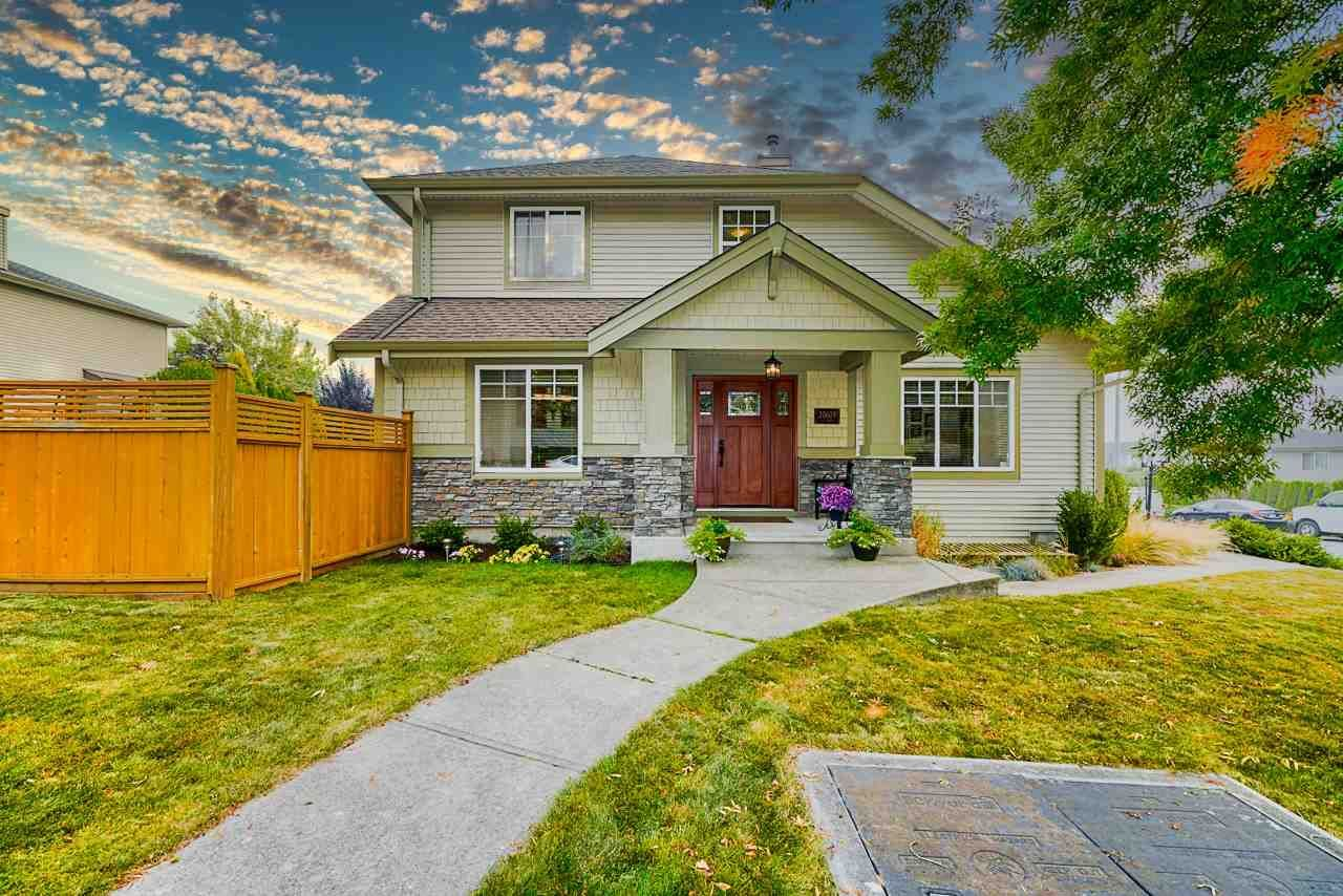Main Photo: 20609 66 Avenue in Langley: Willoughby Heights House for sale : MLS®# R2497491