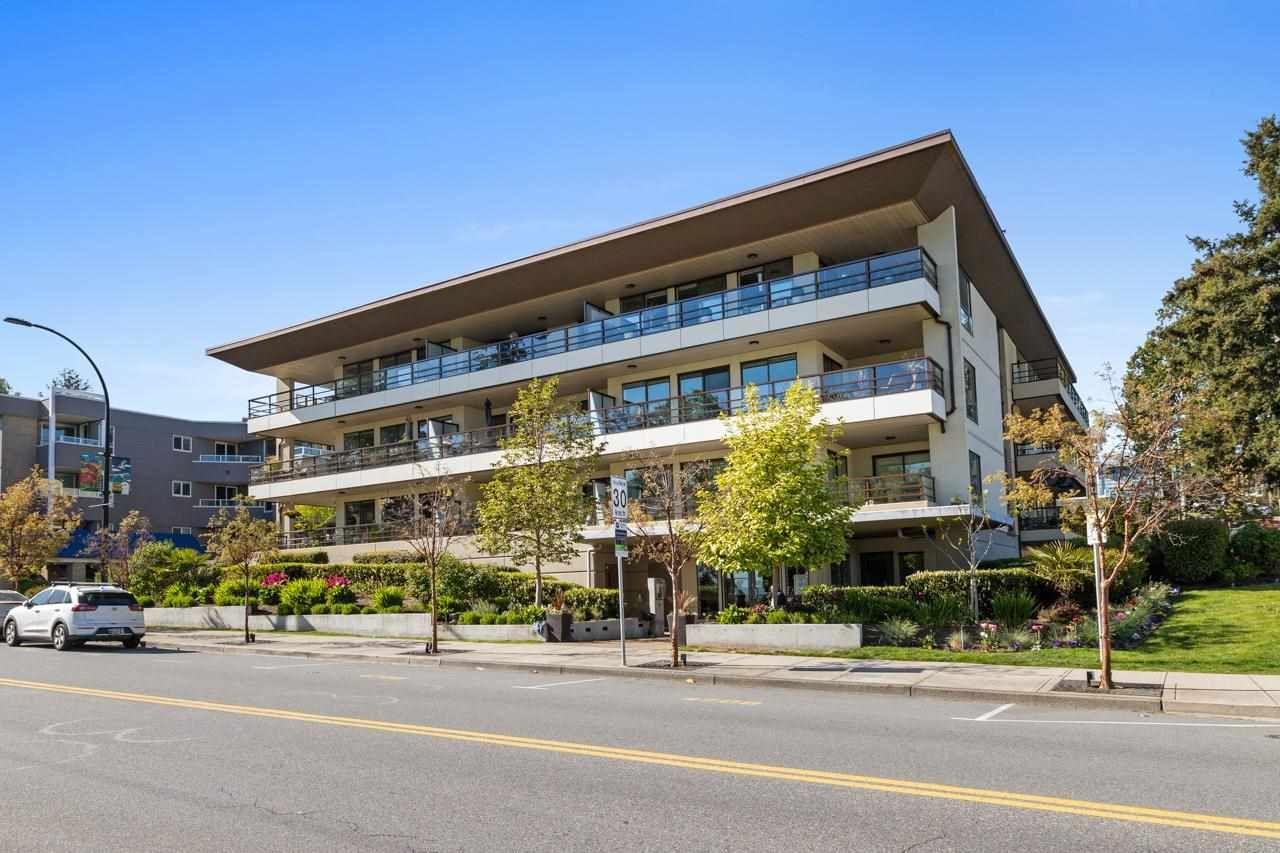 """Main Photo: 103 15747 MARINE Drive: White Rock Condo for sale in """"Promenade"""" (South Surrey White Rock)  : MLS®# R2573808"""