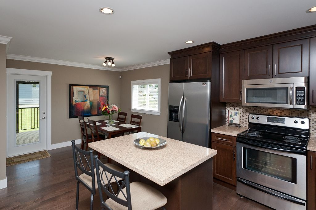 Photo 8: Photos: 369 MUNDY Street in Coquitlam: Coquitlam East House for sale : MLS®# V951722