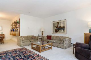 """Photo 4: 110 3777 W 8TH Avenue in Vancouver: Point Grey Condo for sale in """"THE CUMBERLAND"""" (Vancouver West)  : MLS®# R2461300"""