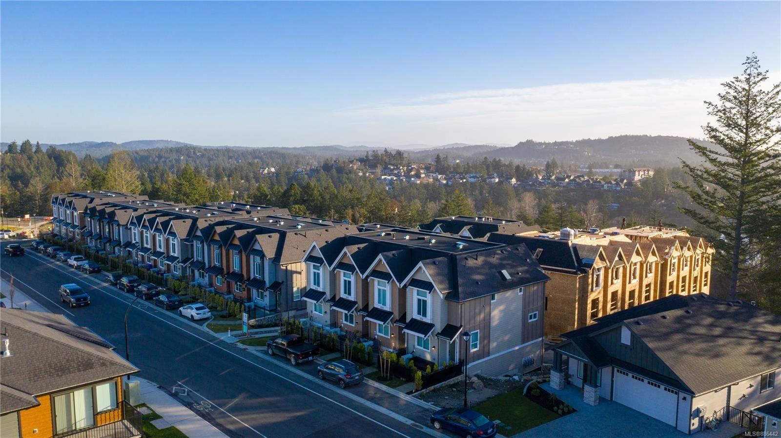 Main Photo: 1107 Moonstone Loop in : La Bear Mountain Row/Townhouse for sale (Langford)  : MLS®# 886442