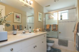 """Photo 15: 33 4001 OLD CLAYBURN Road in Abbotsford: Abbotsford East Townhouse for sale in """"Cedar Springs"""" : MLS®# R2166092"""