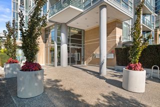 """Photo 3: 3F 1067 MARINASIDE Crescent in Vancouver: Yaletown Townhouse for sale in """"Quaywest"""" (Vancouver West)  : MLS®# R2620877"""