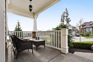"""Photo 4: 5878 165 Street in Surrey: Cloverdale BC House for sale in """"BELL RIDGE ESTATES"""" (Cloverdale)  : MLS®# F1432063"""