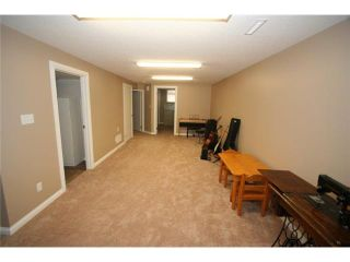 Photo 13: 1111 HUNTERSTON Road NW in CALGARY: Huntington Hills Residential Detached Single Family for sale (Calgary)  : MLS®# C3624233