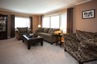 """Photo 2: 138 1840 160 Street in Surrey: King George Corridor Manufactured Home for sale in """"BREAKAWAY BAYS"""" (South Surrey White Rock)  : MLS®# R2010007"""
