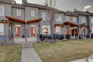 Photo 2: 25 CHAPALINA Square SE in Calgary: Chaparral Row/Townhouse for sale : MLS®# C4273593