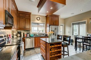 Photo 3: 1628 40 Street SW in Calgary: Rosscarrock Detached for sale : MLS®# A1146125