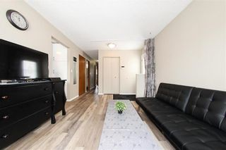 Photo 3: 29 East Lake Drive in Winnipeg: Waverley Heights Residential for sale (1L)  : MLS®# 202108599