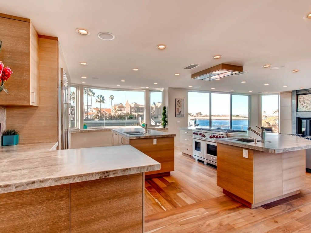 Photo 3: Photos: House for sale : 4 bedrooms : 4 Spinnaker Way in Coronado