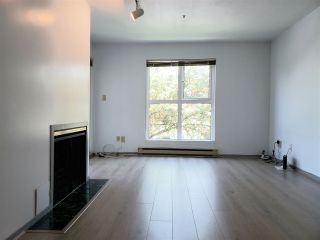 Photo 2: 19 704 W 7TH AVENUE in Vancouver: Fairview VW Condo for sale (Vancouver West)  : MLS®# R2470222
