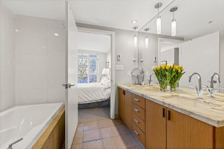 """Photo 13: 403 1205 W HASTINGS Street in Vancouver: Coal Harbour Condo for sale in """"Cielo"""" (Vancouver West)  : MLS®# R2617996"""