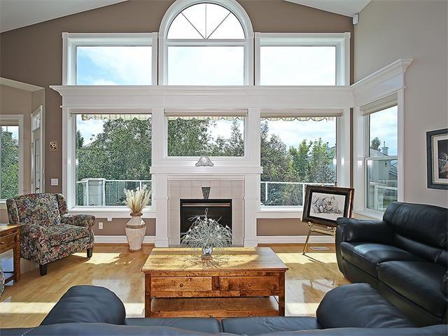 Photo 14: Photos: 315 MT DOUGLAS Court SE in Calgary: McKenzie Lake House for sale : MLS®# C4068873