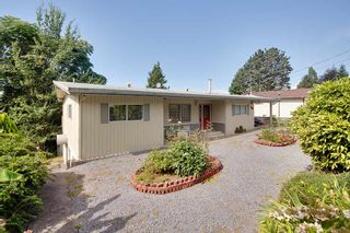 Photo 2: 134 MONTGOMERY Street in Coquitlam: Cape Horn House for sale : MLS®# R2404412