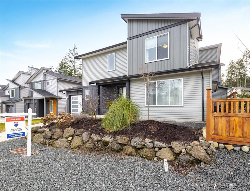 FEATURED LISTING: 529 Steeves Rd