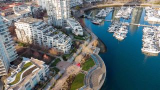 "Photo 34: TH111 1288 MARINASIDE Crescent in Vancouver: Yaletown Townhouse for sale in ""Crestmark I"" (Vancouver West)  : MLS®# R2549065"