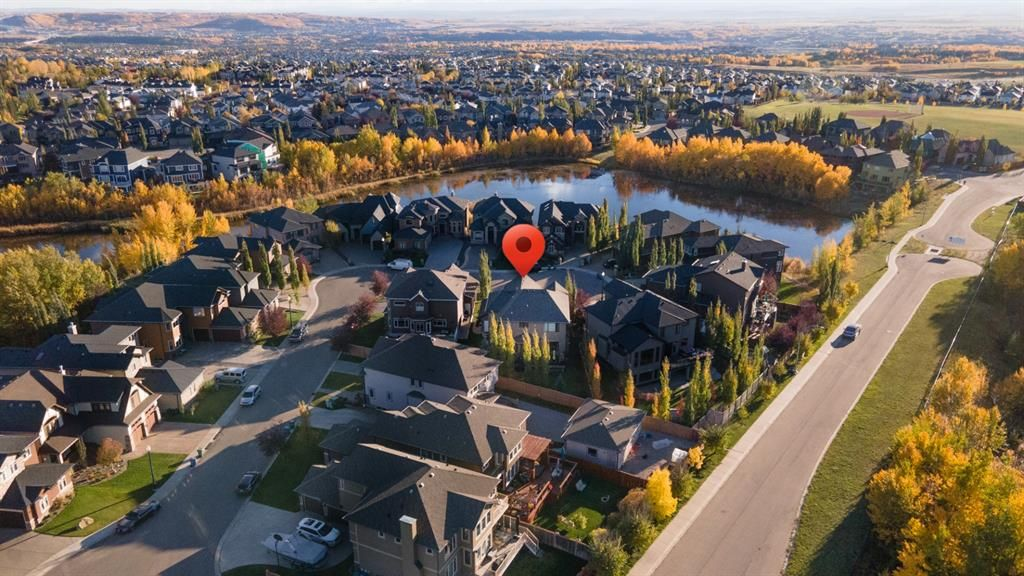Main Photo: 80 Rockcliff Point NW in Calgary: Rocky Ridge Detached for sale : MLS®# A1150895