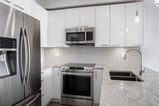 Photo 6: 402 20696 EASTLEIGH Crescent in Langley: Langley City Condo for sale : MLS®# R2614829