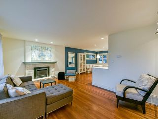Photo 7: 2763 CRESTLYNN Drive in North Vancouver: Lynn Valley House for sale : MLS®# R2452936