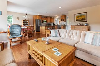 Photo 12: 2384 Mount Tuam Crescent in Blind Bay: Cedar Heights House for sale : MLS®# 10163230
