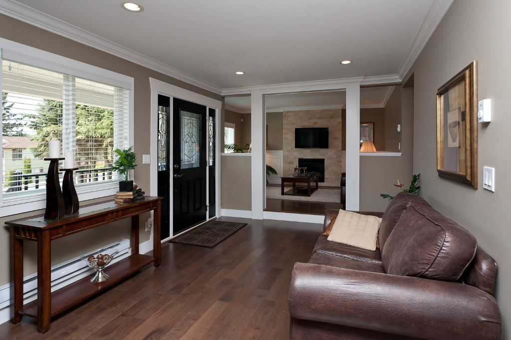 Photo 5: Photos: 369 MUNDY Street in Coquitlam: Coquitlam East House for sale : MLS®# V951722