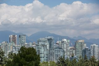 "Photo 30: 208 943 W 8TH Avenue in Vancouver: Fairview VW Condo for sale in ""Southport"" (Vancouver West)  : MLS®# R2487297"