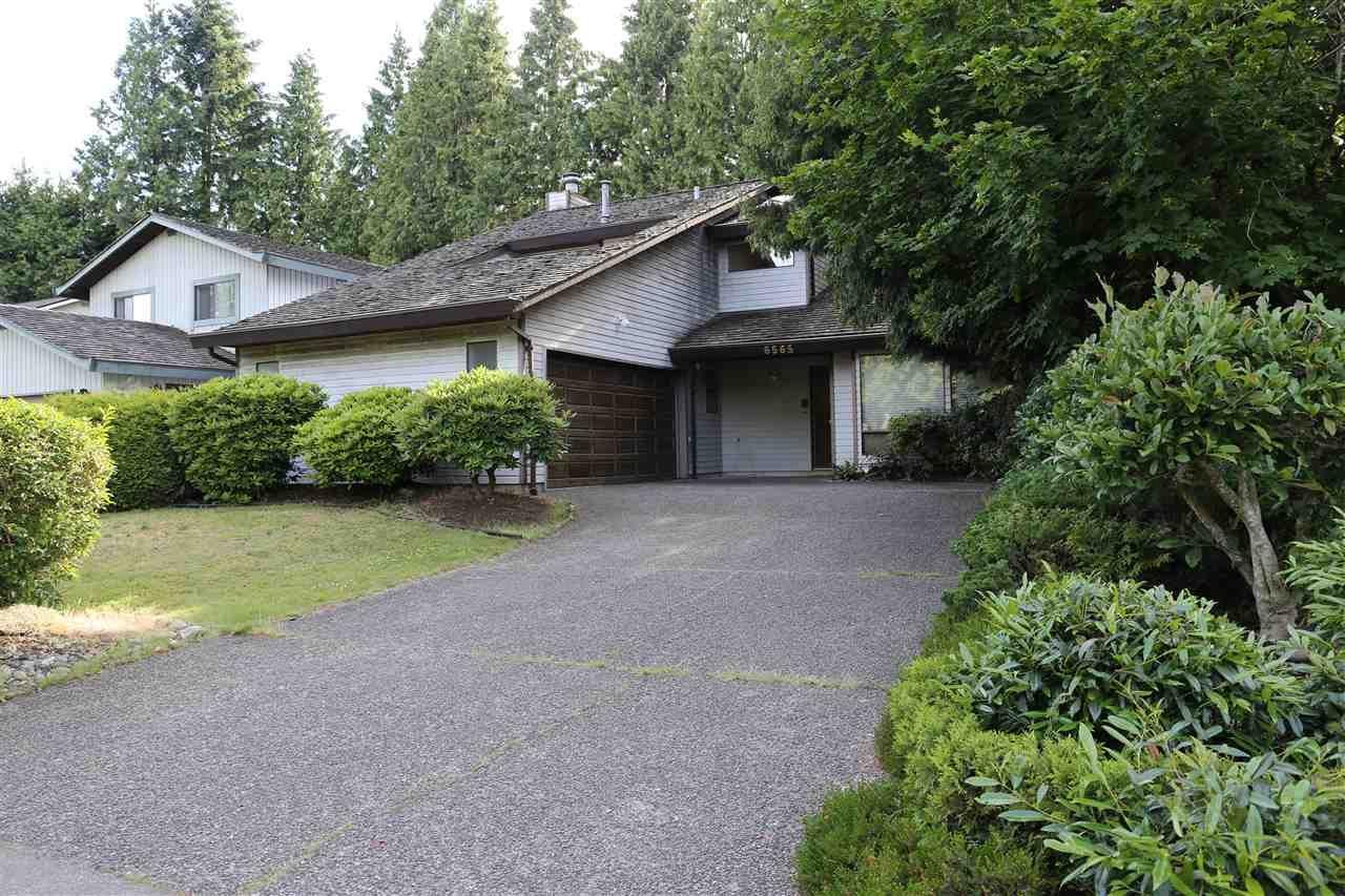 "Main Photo: 6565 WADE Road in Delta: Sunshine Hills Woods House for sale in ""Sunshine Hills Woods"" (N. Delta)  : MLS®# R2081121"