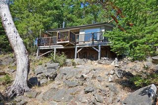 Photo 2: 9813 Spalding Rd in PENDER ISLAND: GI Pender Island House for sale (Gulf Islands)  : MLS®# 825595