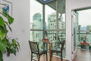 """Photo 3: 2601 928 RICHARDS Street in Vancouver: Yaletown Condo for sale in """"THE SAVOY"""" (Vancouver West)  : MLS®# R2288010"""